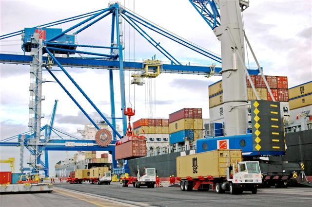 terminais portuários